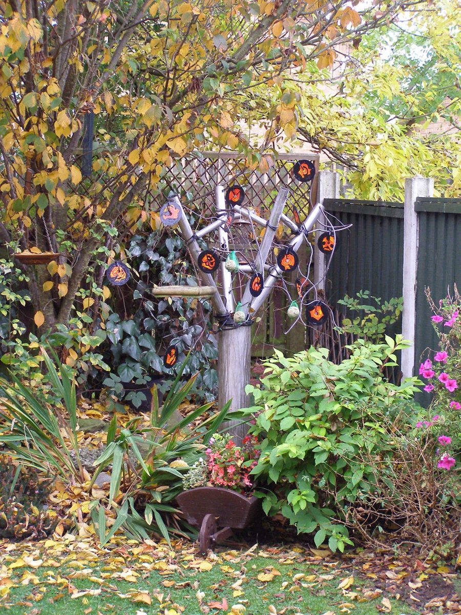 The image shows a piece of artwork by Jina Wallwork. It is a sculpture of a tree. There have been different versions of this sculpture. This is version 3.